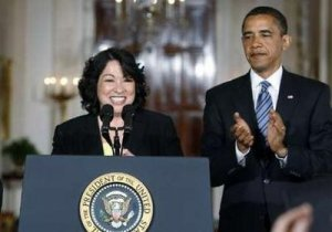 U.S. Appeals Court Judge Sonia Sotomayor (L) speaks after U.S. President Barack Obama announced her as his choice of nomination for the Supreme Court justice, to replace retiring Justice David Souter in the East Room at the White House, May 26, 2009. Obama nominated Sotomayor to the U.S. Supreme Court on Tuesday, selecting a woman who would be the court's first Latino. Obama's choice of the liberal Sotomayor, a 54-year-old judge on the 2nd U.S. Circuit Court of Appeals in New York, was unlikely to change the ideological balance of the high court because Souter, 69, was part of the panel's liberal wing. REUTERS/Larry Downing (UNITED STATES CRIME LAW POLITICS)