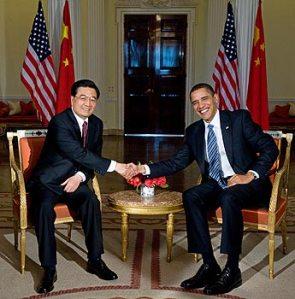 Stretta di mano tra Obama e Hu Jintao al vertice promosso dalle Nazioni Unite il 22 Settembre 2009